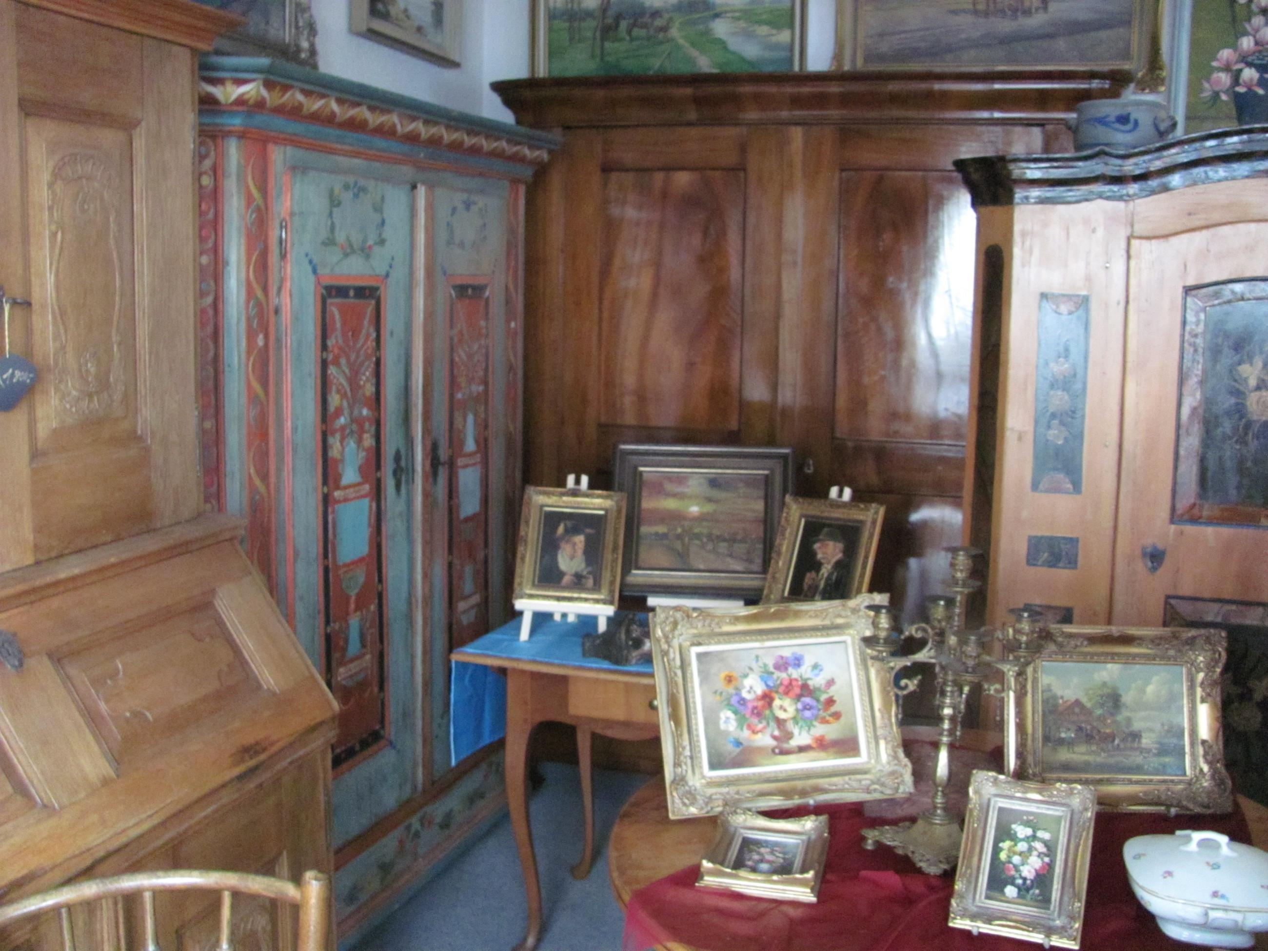 Wwalz Antike Möbel Alte Traditionelle Gemälde 1